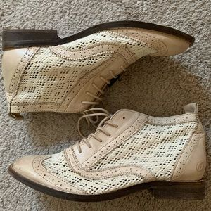 NWT/Never Worn Bronx Lace Up Booties